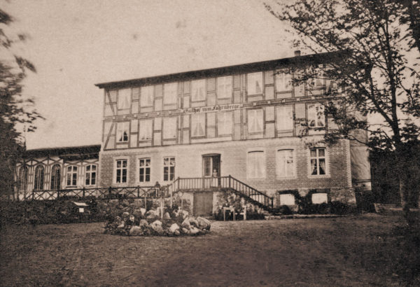 The hotel's first structure, ca. 1870, © City Archives and City Library Sassnitz