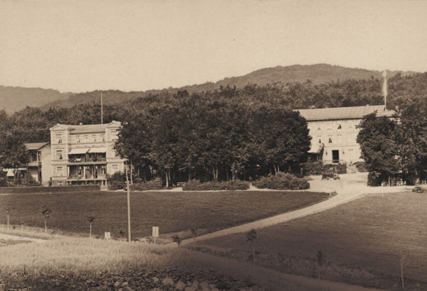 The main building (on the right) and the two annexes, ca. 1885, © City Archives and City Library Sassnitz