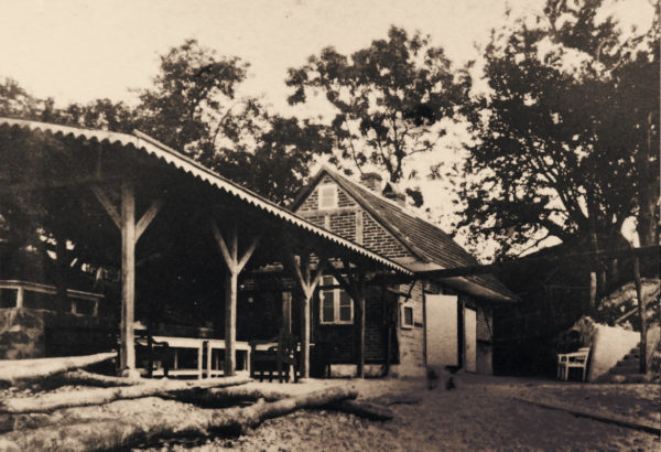 At first, a modest bath house was quite enough ... 1870s, © City Archives and City Library Sassnitz