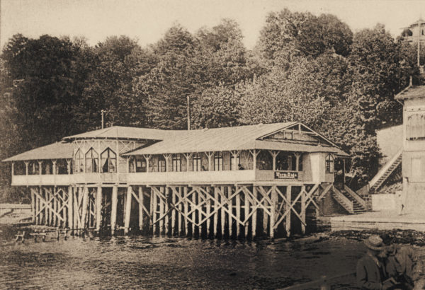 The bathhouse built in 1884 existed for 26 years, ca. 1898, © City Archives and City Library Sassnitz