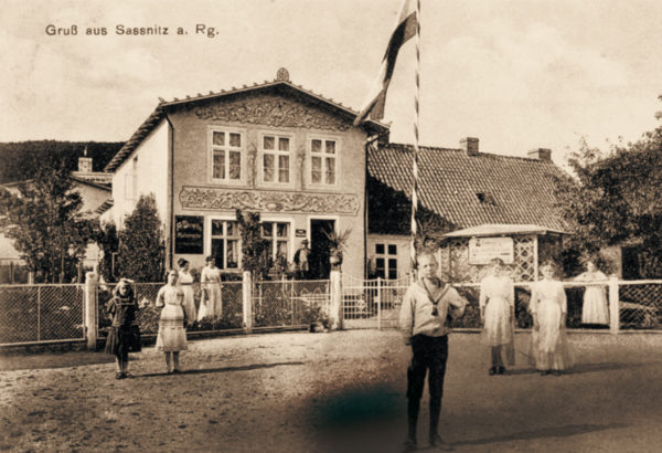 ... and the embellished house of master painter Diewitz, ca. 1910, © City Archives and City Library Sassnitz