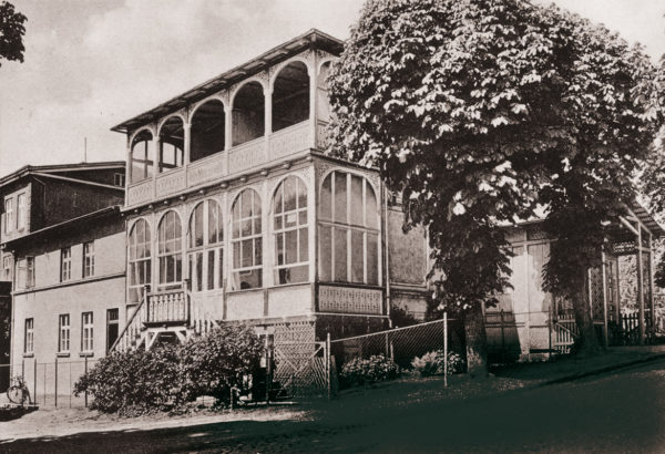 The characteristic veranda, ca. 1930, © City Archives and City Library Sassnitz