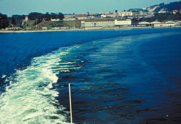 """View of the fish factory """"Fischwerk"""" from the ferry, 1960, © City Archives and City Library Sassnitz"""